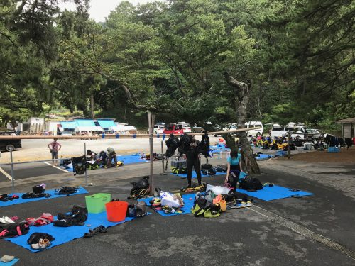 静岡県西伊豆町黄金崎公園ビーチの画像です。ここはダイビングはもちろんシュノーケリングや体験ダイビングも楽しめる絶景ポイントです。