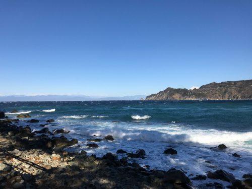 静岡県西伊豆町黄金崎公園ビーチの海況画像です。ここはダイビングはもちろんシュノーケリングや体験ダイビングも楽しめる絶景ポイントです。