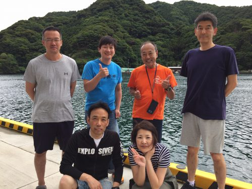 19-06-22boat_team